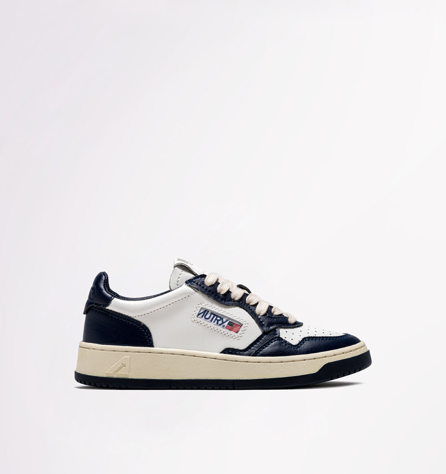 AUTRY: LOW SNEAKERS IN LEATHER WHITE BLUE