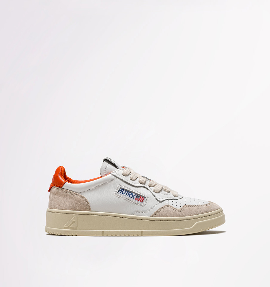 AUTRY: LOW SNEAKERS IN LEATHER AND SUEDE COLOR WHITE ORANGE