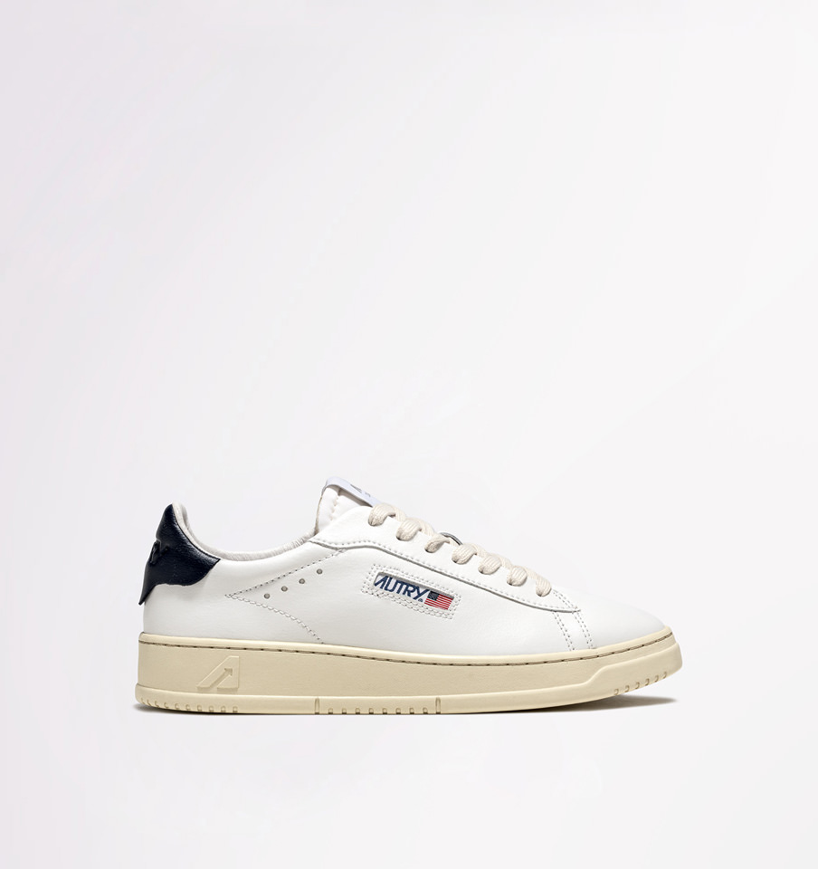 AUTRY: DALLAS LOW SNEAKERS IN WHITE /BLUE LEATHER