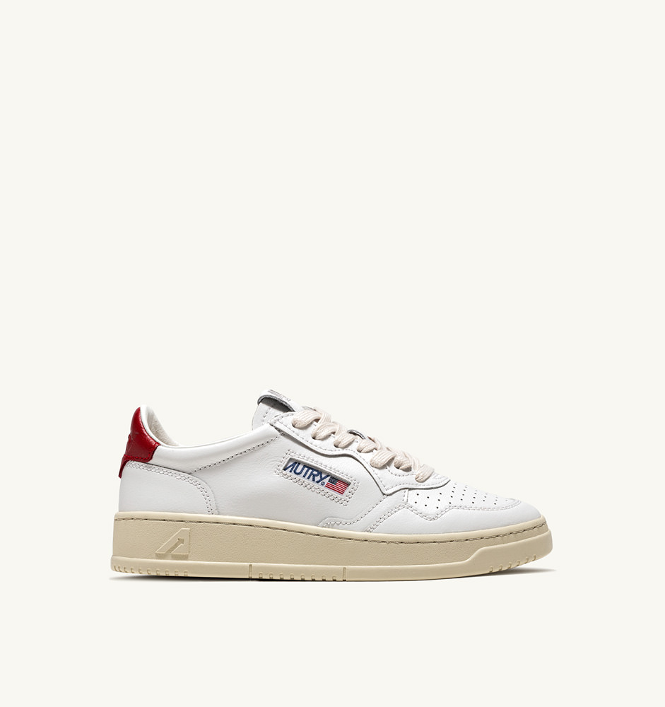 WHITE / RED TAG