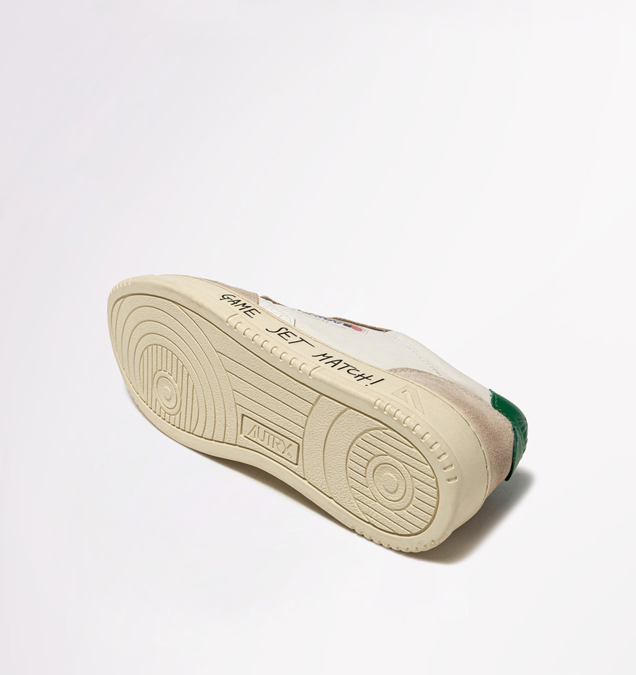 AUTRY: AUTRY MEDALIST LOW SNEAKERS IN LEATHER AND SUEDE COLOR WHITE GREEN