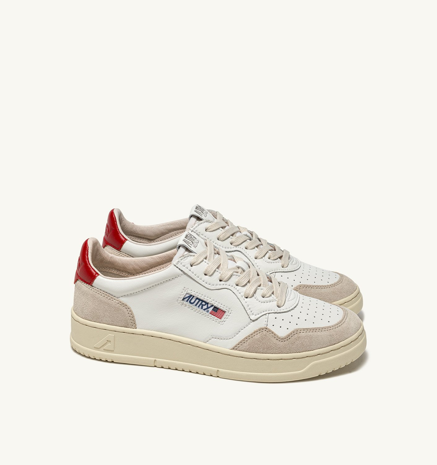 AUTRY: MEDALIST LOW SNEAKERS IN LEATHER AND SUEDE COLOR WHITE RED