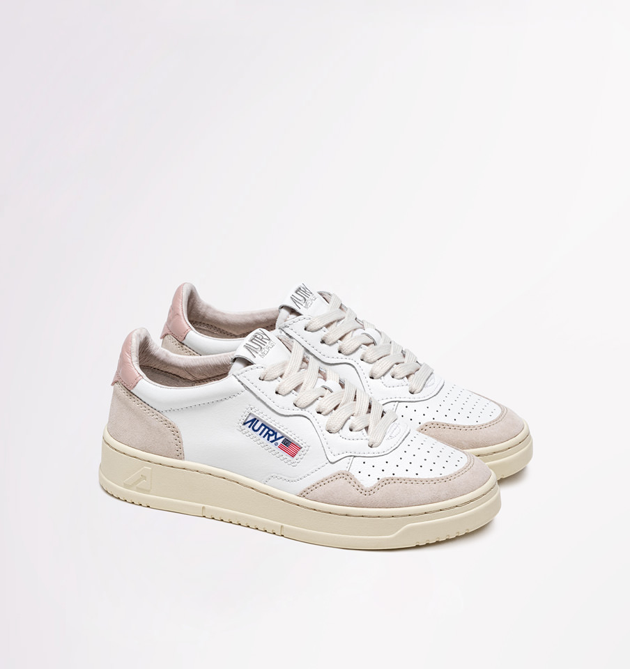 AUTRY: MEDALIST LOW SNEAKERS IN LEATHER AND SUEDE COLOR WHITE POWDER PINK